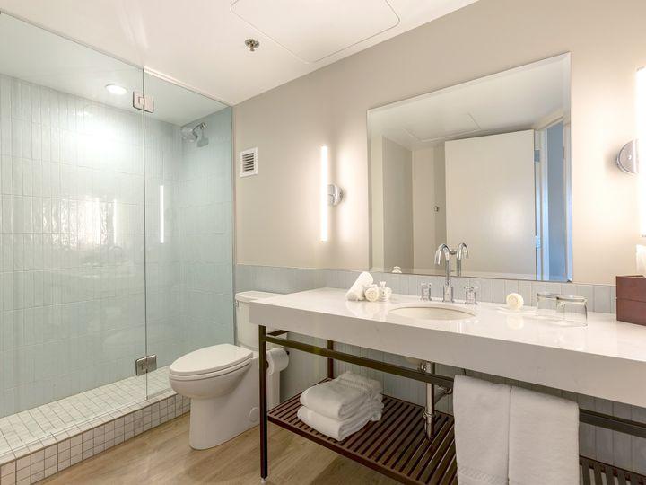 Tmx Superior Bathroom 51 911884 160311924450574 Traverse City, MI wedding venue