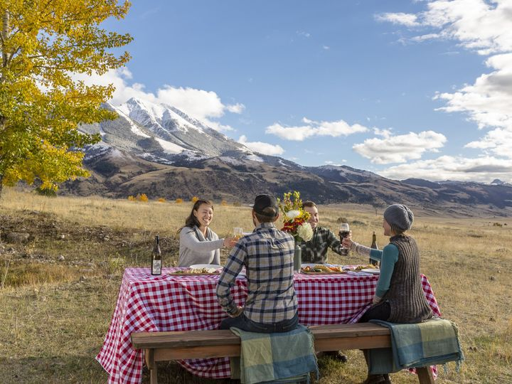 Tmx Back Country Dining Cheers 51 1012884 Pray, MT wedding venue