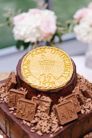 christina hastings groom cake 03 51 143884 161228960471934