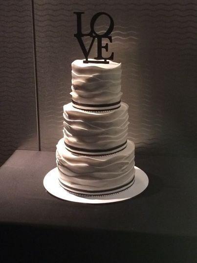 Tmx 1521794559 5010f416699dd10d 1521794558 Ca8df19cdffe55f2 1521794553974 4 Love Cake Philadelphia wedding cake