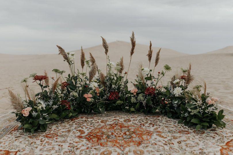 Ground flower installation