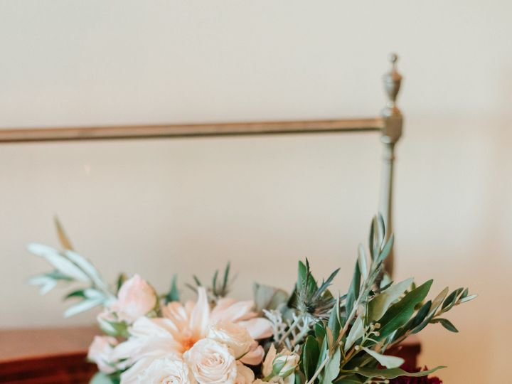 Tmx 1529960445 A6053815f1ce249b 1529960443 C5bdd48c9259bbea 1529960441891 4 Karinandphilgrandr Caledonia, MI wedding florist