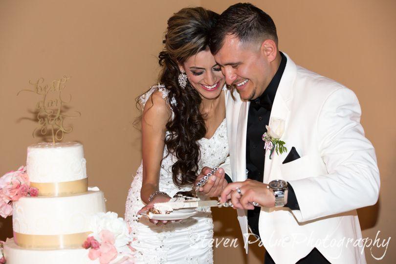 bride groom cake cut weddings 1
