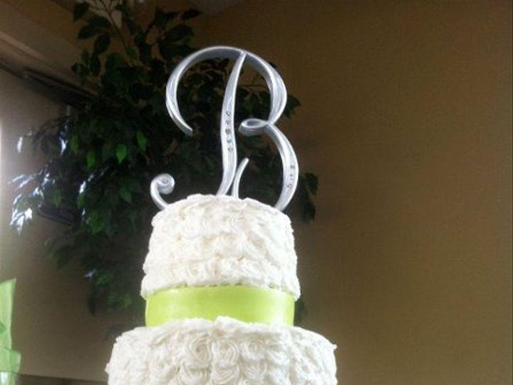 Tmx 1317411284647 28754025400546129429011140177222132710234155448565o Lakeville wedding cake