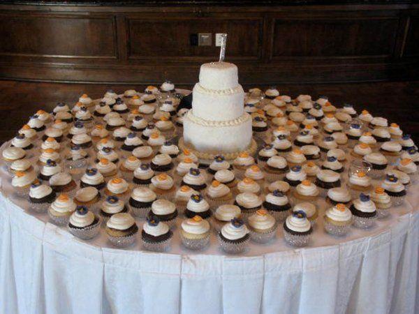 Tmx 1317411290825 395251686373698311001114017722213274826834348479n Lakeville wedding cake