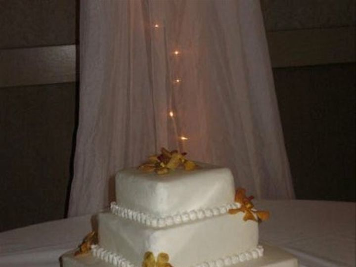 Tmx 1317411293243 618271570581209890251114017722213274145982787655n Lakeville wedding cake