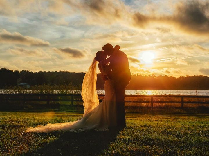 Tmx Couple With Sunset 51 996884 159519968825475 Dade City, FL wedding venue