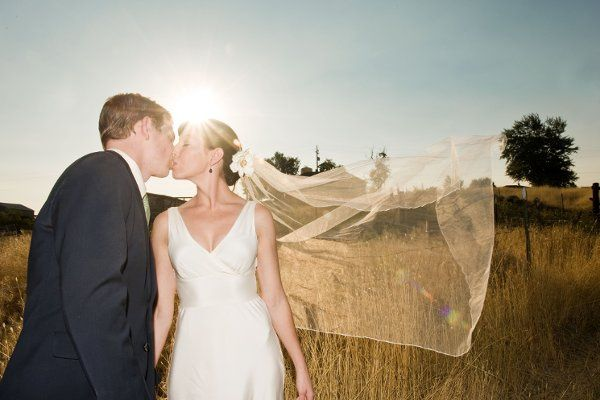 Stephen & Katie's wedding in Grass Valley, OR by LYFE Photography.