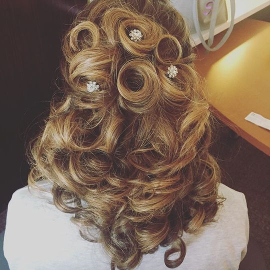 Perfect Half Updo and Curls