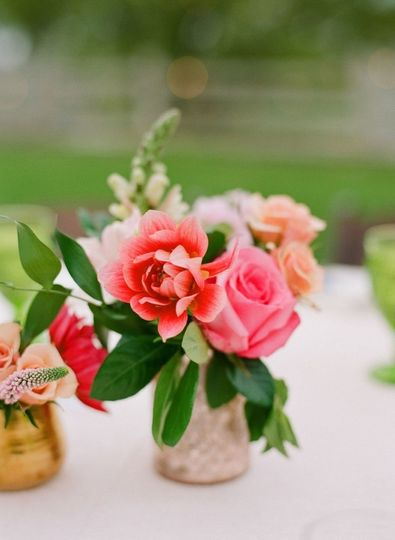 Flowers for an outdoor wedding