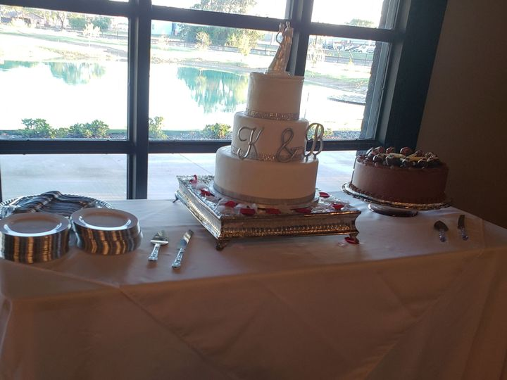 Tmx 1538105407 989791c71a9b0ae6 1538105404 6b8cdca084aa6273 1538105395911 5 Lcw3 Grand Prairie, TX wedding catering