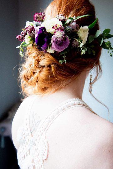Hair flower arrangement