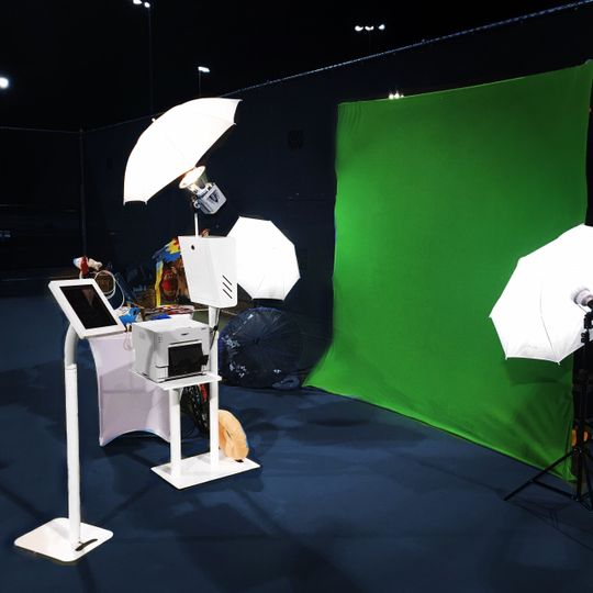 White Open Air Photo Booth with Green Screen!