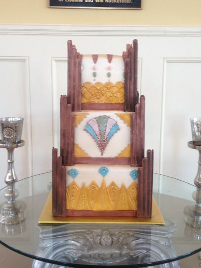 800x800 1398901005052 erin ray art deco wedding cak