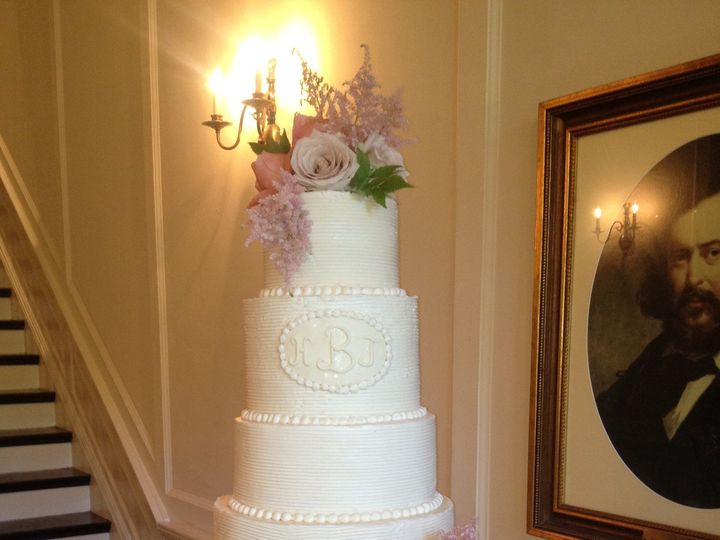 Tmx 1398900871071 Combed With Flower Little Rock wedding cake