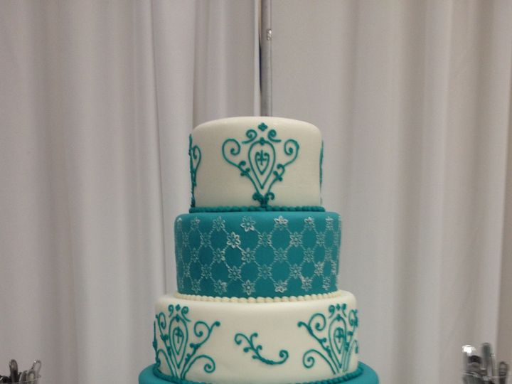 Tmx 1398902626002 Teal And White Little Rock wedding cake