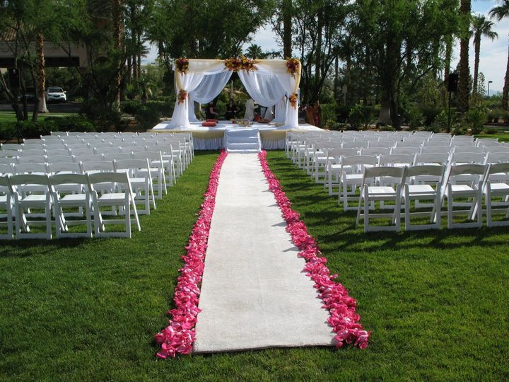 Spa Courtyard, an open expanse of lawn that can accommodate larger weddings and receptions.