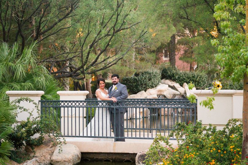 Romantic Bridges in Lush Gardens Create Great Backdrop for Wedding Photos