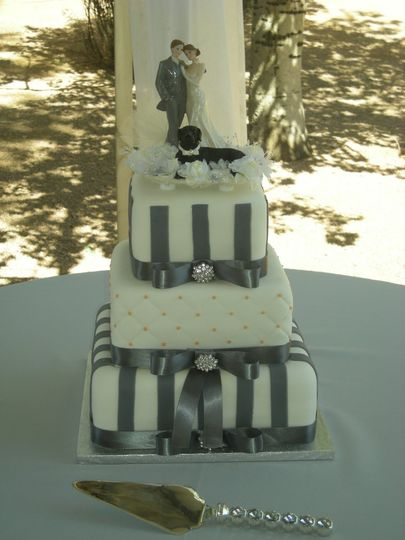 Three-tier bow cake