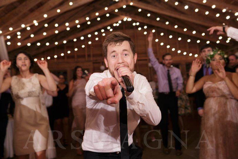 The wedding singer | Photo credit: ars magna studio