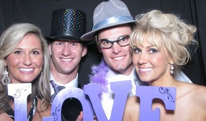 FlashBooth Photo Booth Rentals of Michigan 1