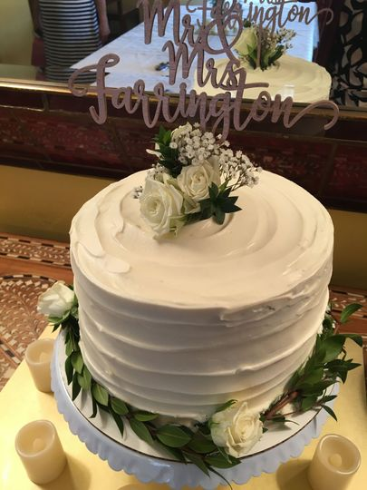 Sweet and Divine Baking - Wedding Cake - Phoenix, AZ - WeddingWire