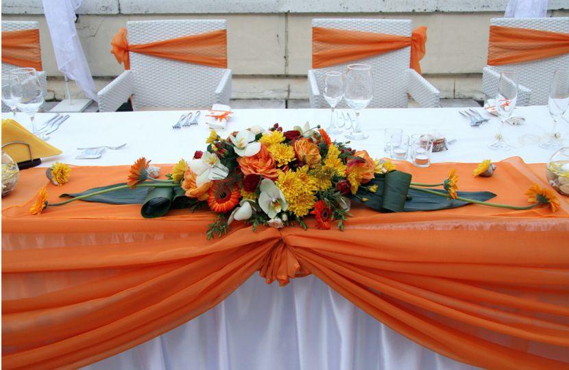 orangesashand tabledrape