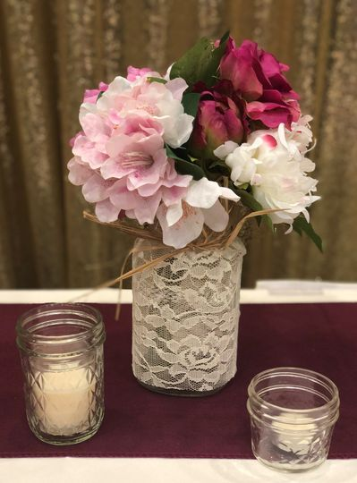 Mixed pinks bouquet/lace jar