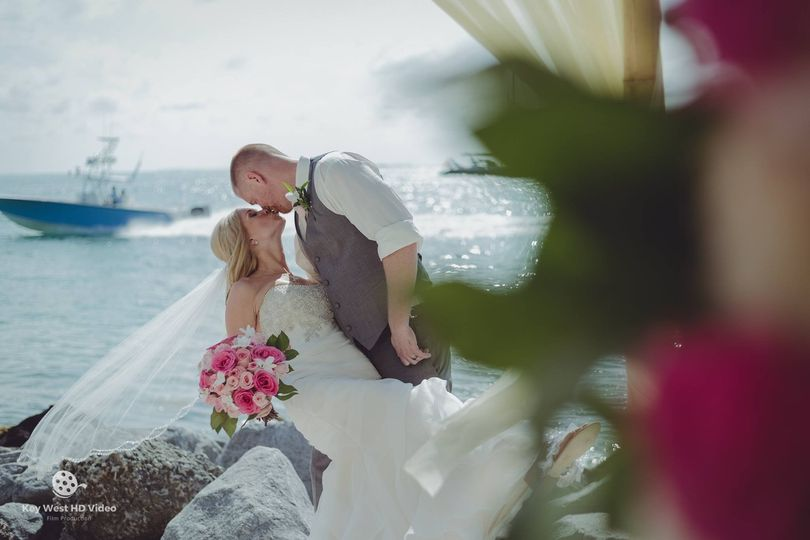 Wedding kiss - Key West HD Video Productions