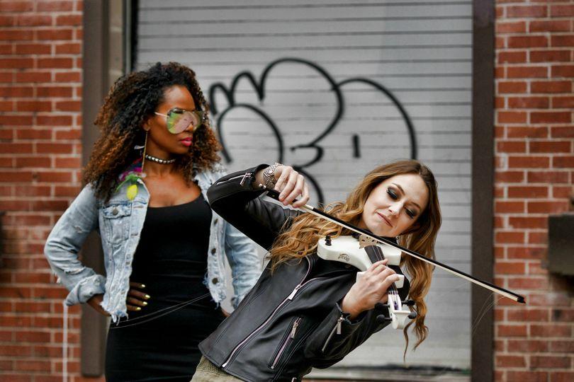Pulse: Violin DJ Duo