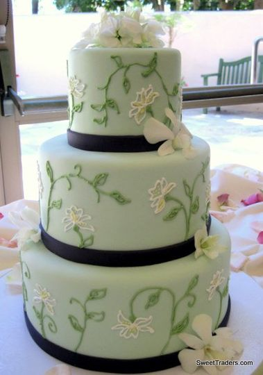 Three tier cake with black lining