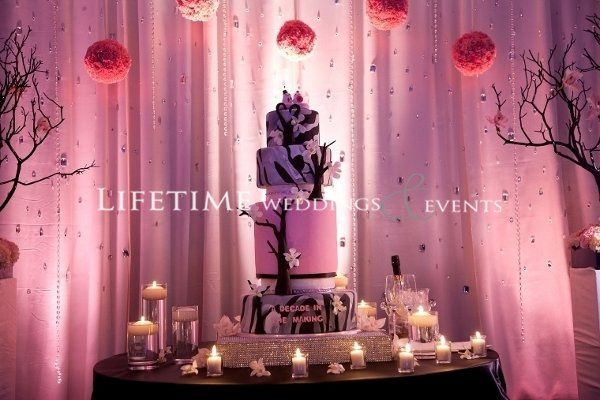 Pink Blk Sculpted 3D cake 5 tier