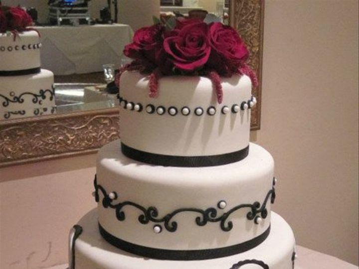 Tmx 1267943395784 Whtblkrdredroses.jpg Huntington Beach, California wedding cake