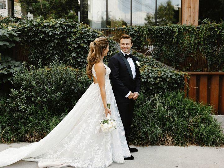 Tmx Joanna Dan Wedding 127 51 634294 1566067312 Brooklyn wedding florist