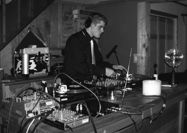 We can mix music via records, CDs, or computers! For weddings we carry thousands of songs on site...