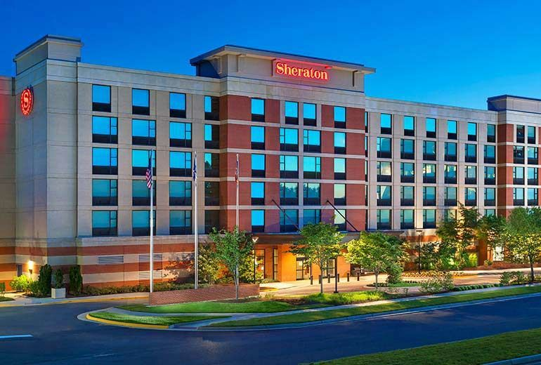 Exterior view of Sheraton Herndon Dulles Airport Hotel