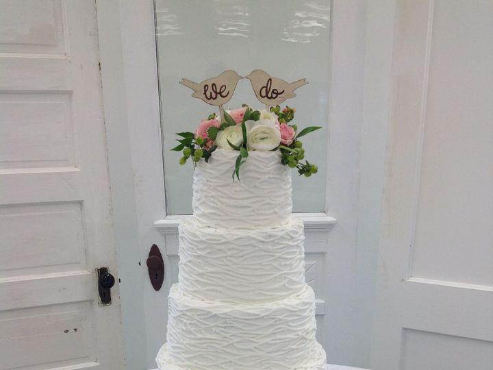 Tmx 1527372248 D50f337057a7c8fc 1527372245 C9bff4d28e07eb33 1527372221689 4 5 Tier Wedding Cak Sedalia wedding cake