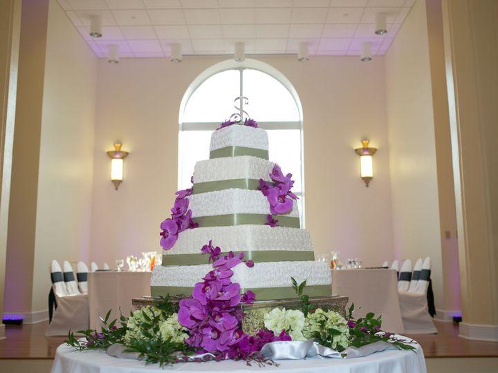 Tmx 1527372249 D81ac34852519f3d 1527372246 3f723f4c115400f1 1527372221690 6 5 Tier Wedding Cak Sedalia wedding cake