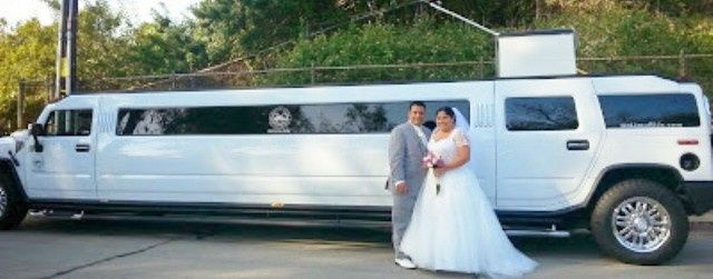 Hummer limo for weddings