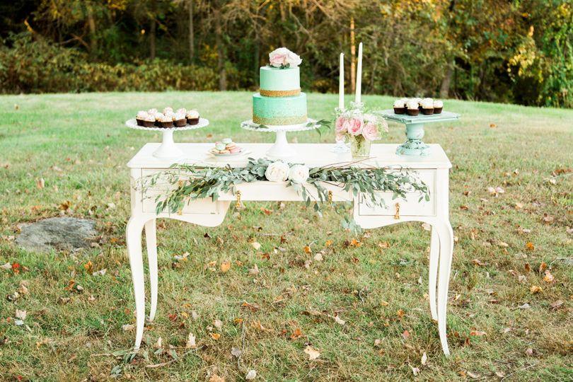 Outdoor dessert table