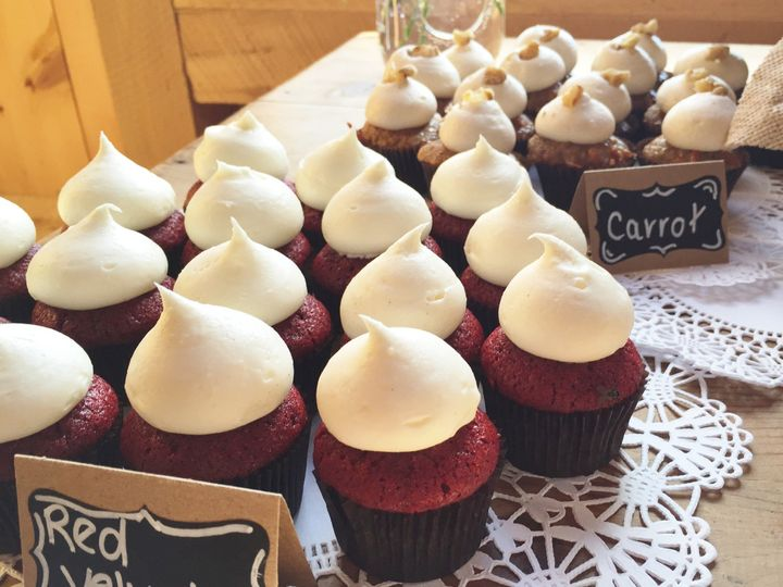 Tmx 1468595610669 Pondview Farm Navy Burlap8  wedding cake