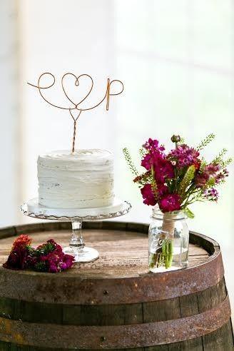 Tmx 1468596052675 Emily  Phils Rustic Wedding   Landon Wise Photogra  wedding cake