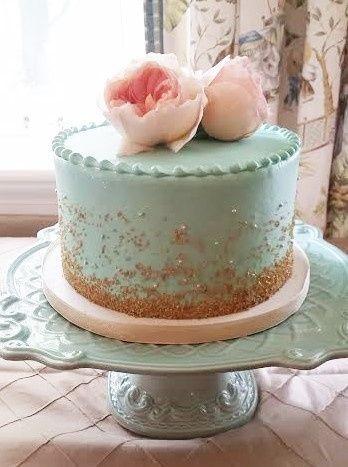Tmx 1481134351649 White Wedding Display 1  wedding cake