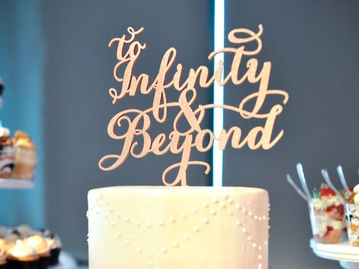 Tmx 1516216725 D5938e1284467bd0 1516216720 949b318d7e8fb0ae 1516216706987 1 Pearl Drape Weddin  wedding cake
