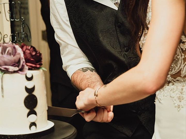 Tmx Becca And Mike Wedding Cake Cutting 51 365394 157801453741147  wedding cake
