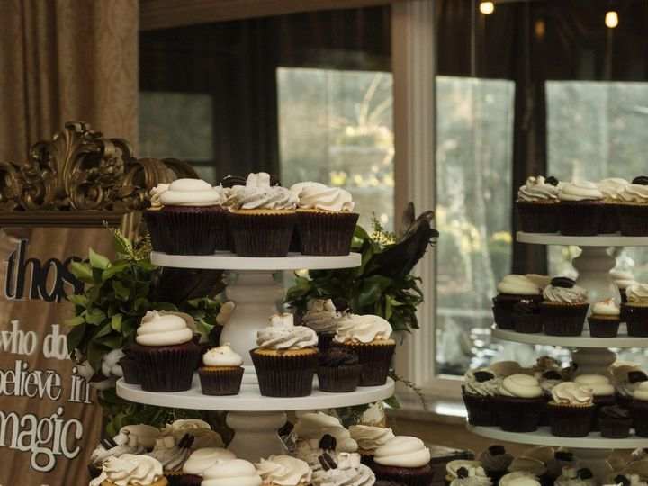Tmx Jensen Wedding Dessert Cupcake And Cake Display 3 51 365394 161540235111550  wedding cake