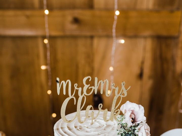 Tmx Rustic Swirl Wedding Cake In Frame Productions Photoraphy 51 365394 161540237781388  wedding cake