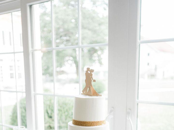 Tmx Wedding Cake And Cupcake Display Kira Nicole Photography 1 51 365394 157801454538318  wedding cake