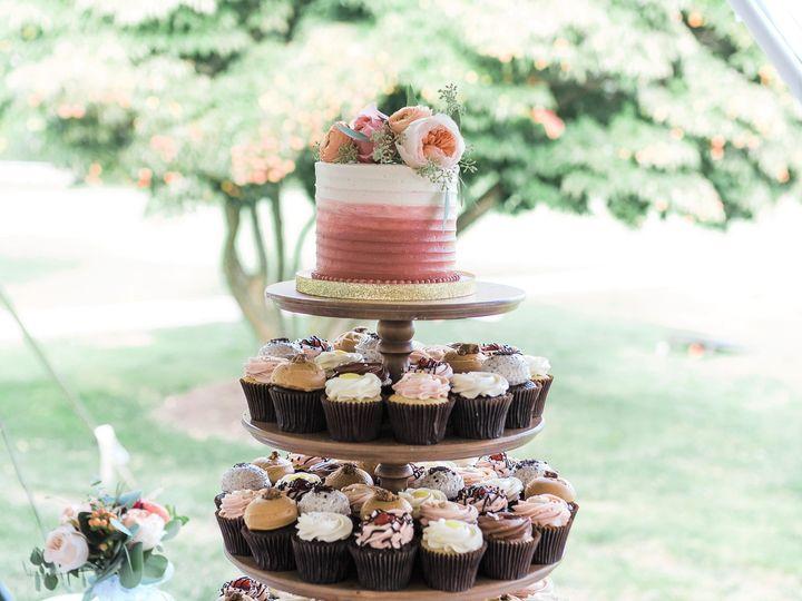 Tmx Wedding Cake Cupcake Display Haley Shbeeb Photography 51 365394 161540231330779  wedding cake