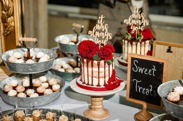 Tmx Wedding Display Cake Cupcakes Cooke Dough Parfaits Brooke Mattingly Photography 4 51 365394 157801454575352  wedding cake